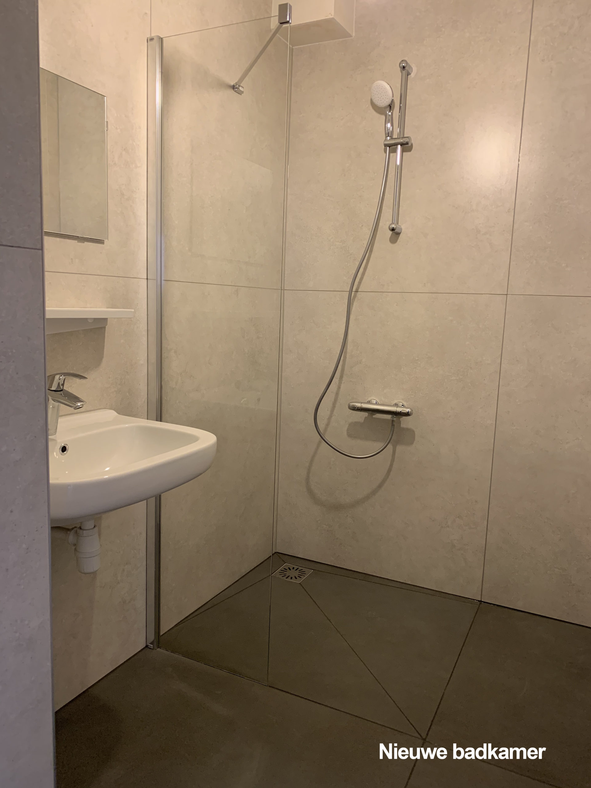 Een Nieuwe Badkamer En Keuken In 1 Dag Oude Wolbers